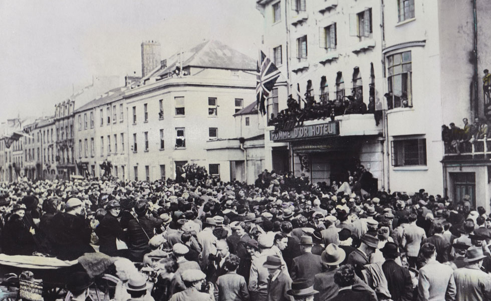 Photo: Liberation Day 1945 crowds outside the Pomme d'Or